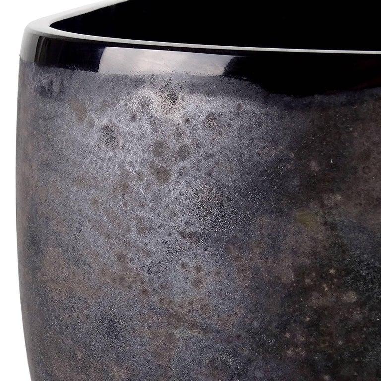 Mid-Century Modern Alfredo Barbini Murano Black Scavo Texture Italian Art Glass Centrepiece Bowl For Sale