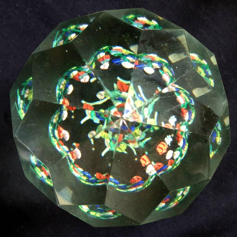 Toso Murano Millefiori Wild Flower Italian Art Glass Diamond Facet Paperweights In Excellent Condition For Sale In Kissimmee, FL
