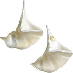 Alfredo Barbini Murano White and Gold Flecks Italian Art Glass Seashell Set