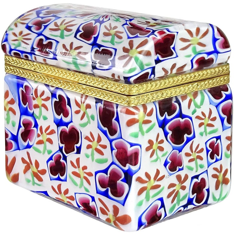 Murano Millefiori Clover Flower Mosaic Italian Art Glass Cabinet Flower Vase In Good Condition For Sale In Kissimmee, FL