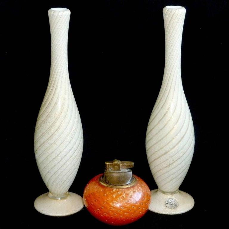 Hand-Crafted Alfredo Barbini Murano Gold and Aventurine Flecks Swirl Italian Art Glass Vases For Sale