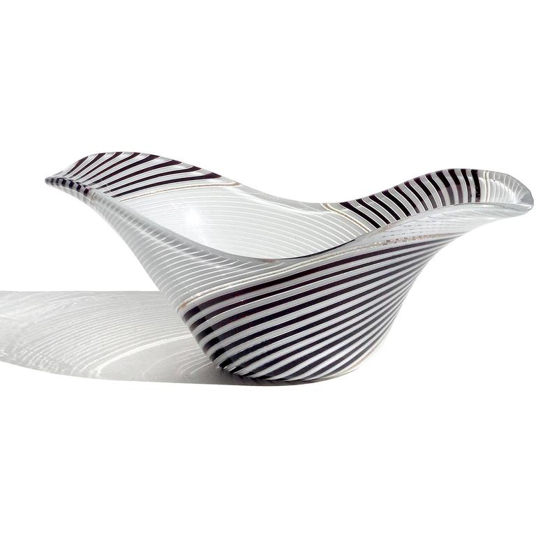 Hand-Crafted Dino Martens Aureliano Toso Murano Black White Ribbons Italian Art Glass Bowl For Sale