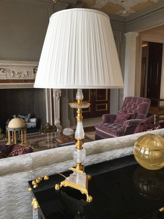 Pair of Fine Carved Ormolu-Mounted Rock Crystal Quartz Lamps In Excellent Condition For Sale In New York, NY