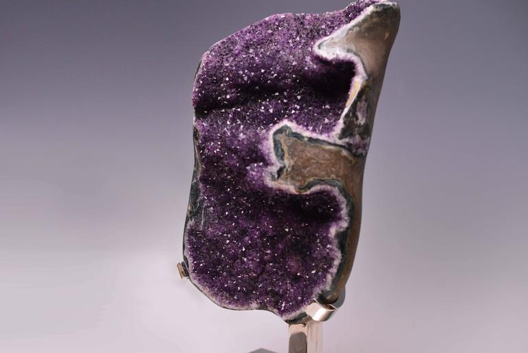 Large Natural Amethyst Rock Crystal Quartz Lamp In Excellent Condition For Sale In New York, NY