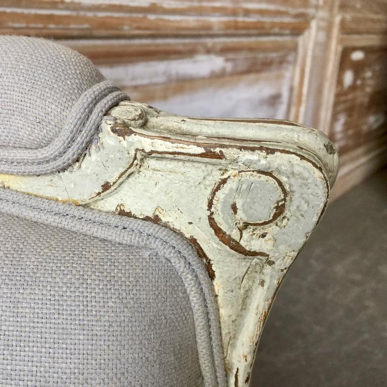Pair of Louis XVI Style Painted Bergères In Excellent Condition For Sale In Charleston, SC