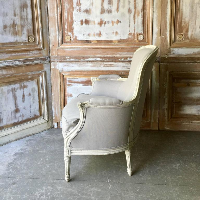 French Pair of Louis XVI Style Painted Bergères For Sale