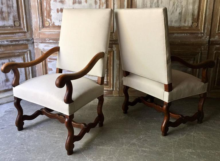 Hand-Carved Pair of French Louis XIV Style Armchair For Sale