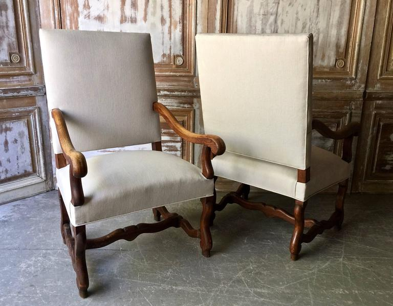 18th Century Pair of French Louis XIV Style Armchair For Sale