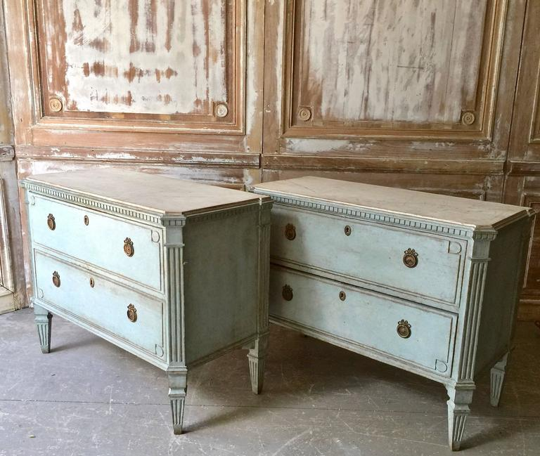 Pair of Swedish 19th Century Gustavian Chests In Good Condition For Sale In Charleston, SC