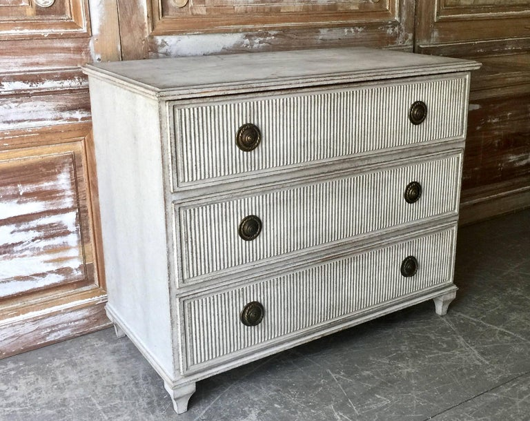 Swedish Gustavian Chest of Drawers with Reeded Front 2