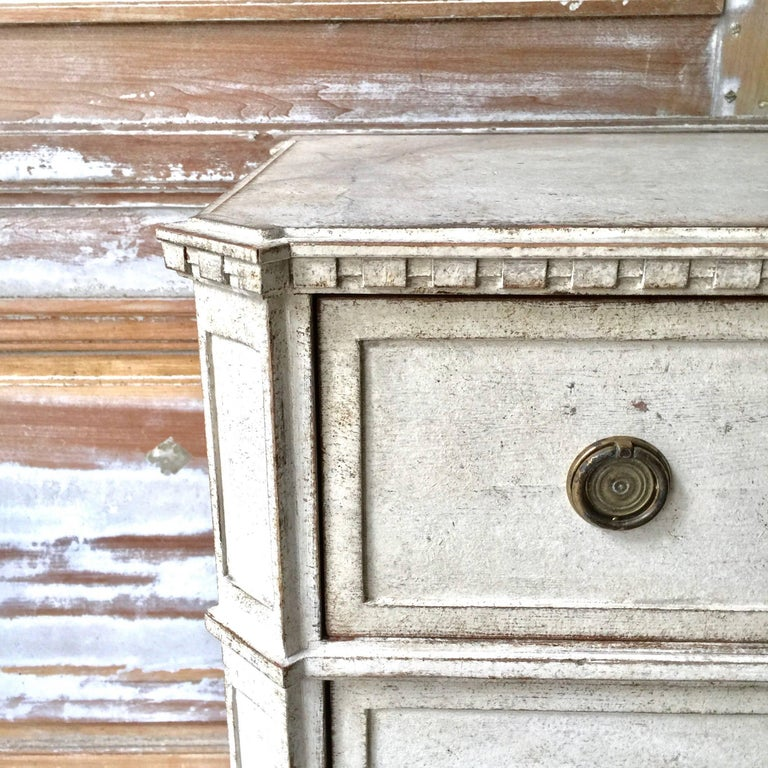 19th Century Gustavian Period  Chest of Drawers In Good Condition For Sale In Charleston, SC
