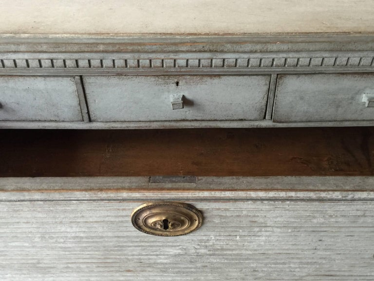 19th Century Swedish Gustavian Chest of Drawers with Reeded Front For Sale