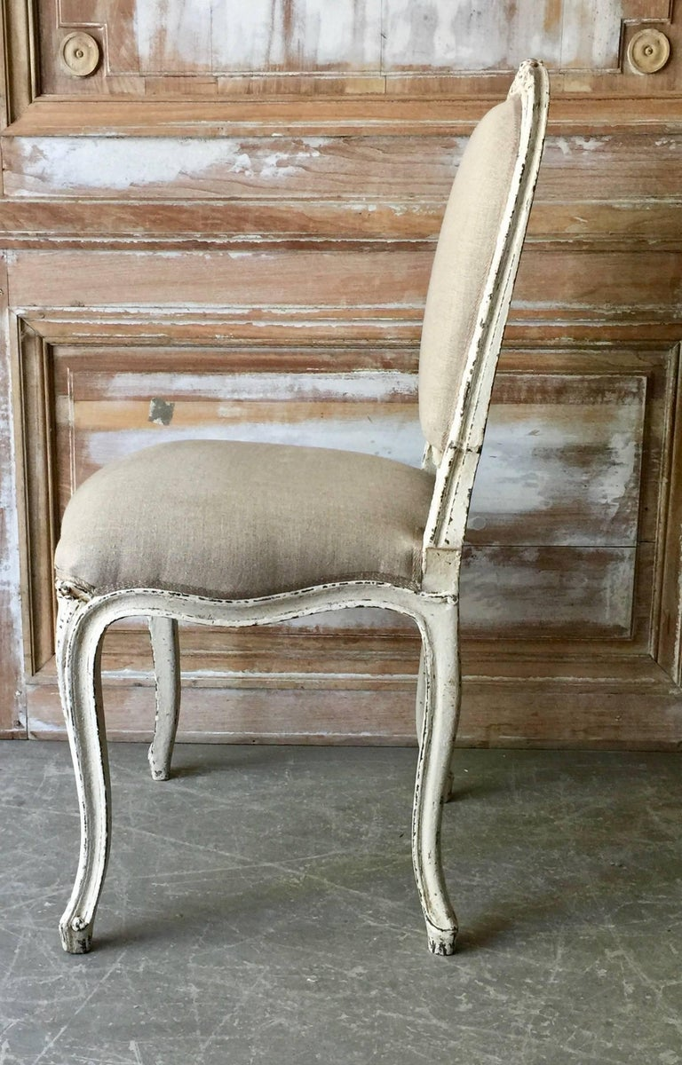 Set of Six Painted French Louis XV Style Dining Chairs In Good Condition For Sale In Charleston, SC