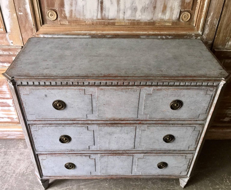 Hand-Carved 19th Century Swedish Gustavian Chest of Drawers For Sale