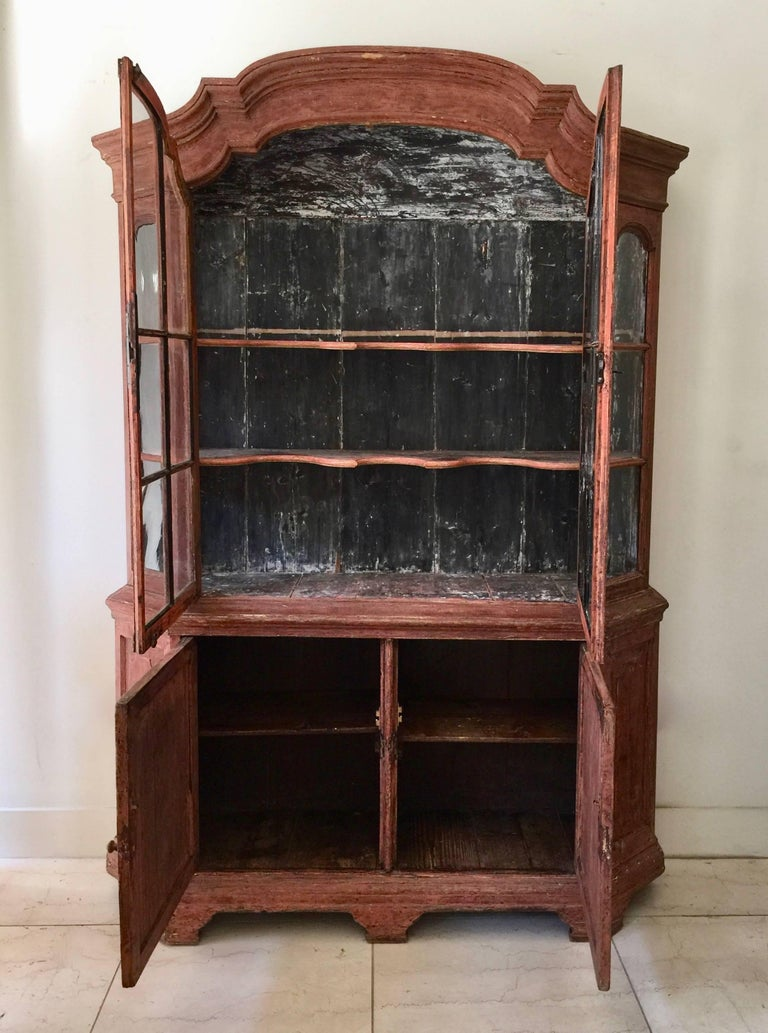 Hand-Carved 18th Century Dutch Vitrine Cabinet For Sale