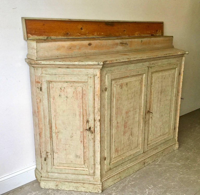 18th Century Italian Credenza In Good Condition For Sale In Charleston, SC
