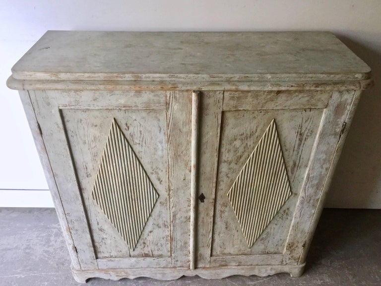 19th Century Swedish Gustavian Sideboard In Good Condition For Sale In Charleston, SC