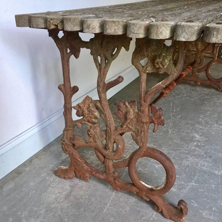 Iron Garden Table with Original Wooden Top In Good Condition For Sale In Charleston, SC