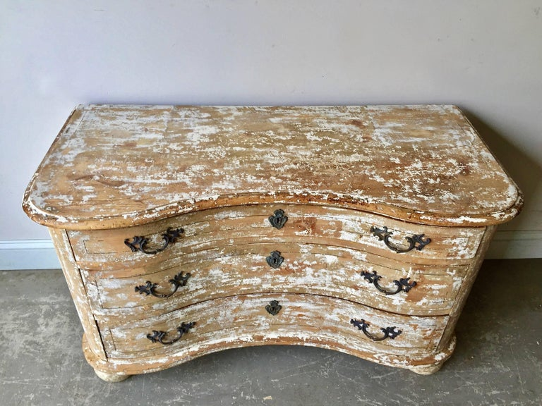 French 18th Century Serpentine Front Chest of Drawers For Sale