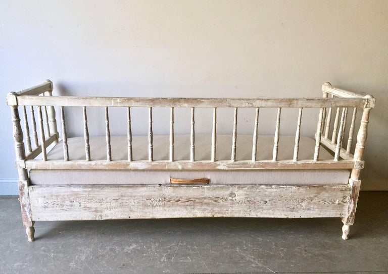 Linen 19th Ccentury Gustavian Sofa Bed For Sale
