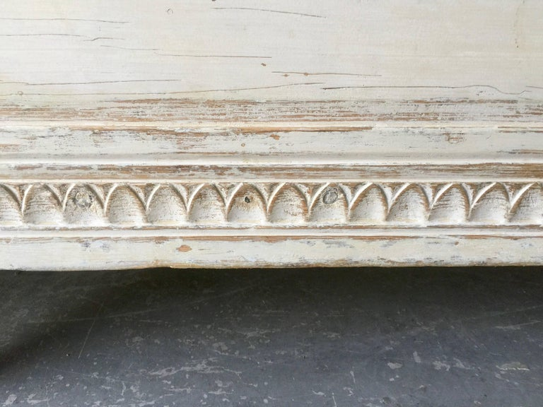Linen 19th Century Gustavian Sofa Bed For Sale