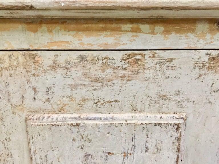 Pine 18th century Italian 8 Door Sideboard For Sale