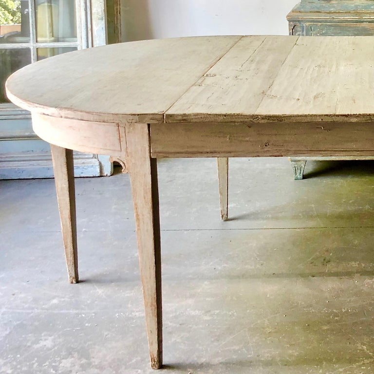 Early 19th Century Swedish Period Gustavian Extending Table For Sale 1