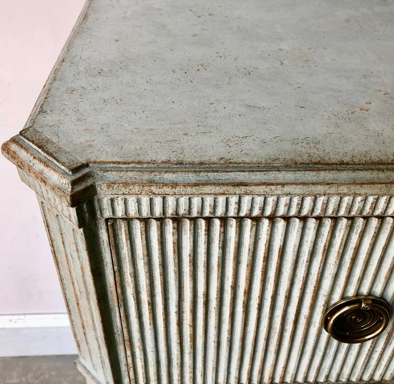 Period Swedish Gustavian Chest of Drawers In Good Condition For Sale In Charleston, SC