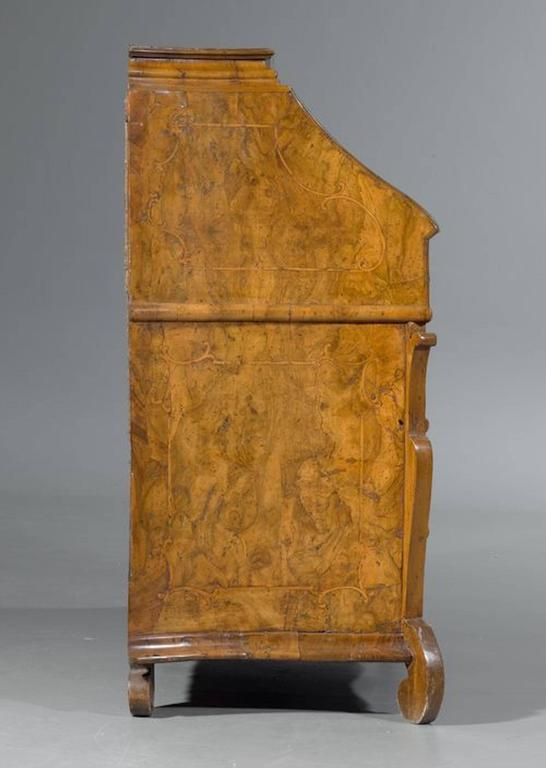 Baroque Bureau-Desk, Northern Italy, Lombardy, circa 1720 In Excellent Condition For Sale In Stamford, CT