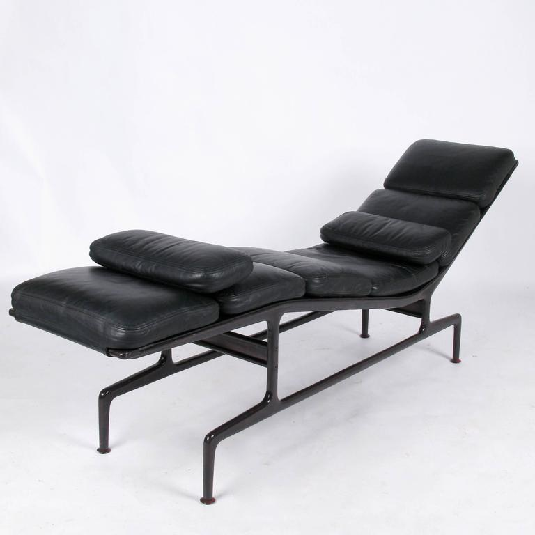 billy wilder chaise by ray and charles eames at 1stdibs. Black Bedroom Furniture Sets. Home Design Ideas