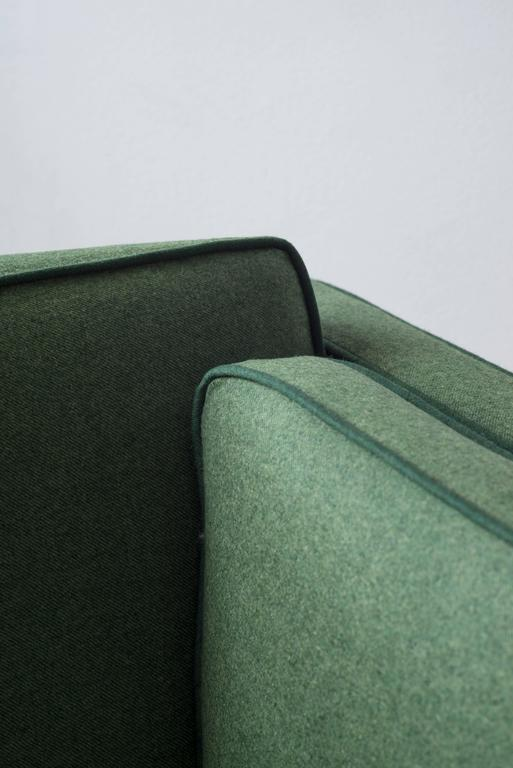 Scandinavian Modern Børge Mogensen Sofa 2443 in Emerald Wool with Contrast Welt For Sale