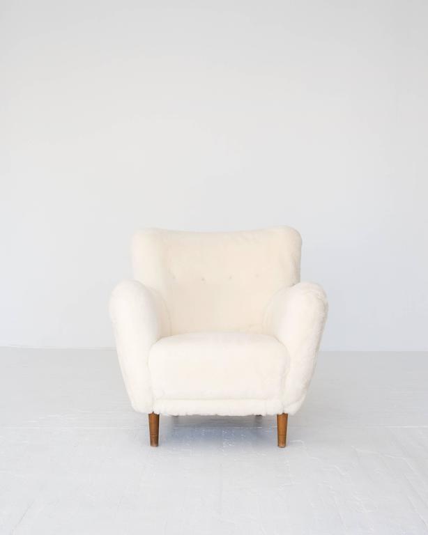 Danish Model 1669 White Sheepskin Fritz Hansen Easy Chair For Sale