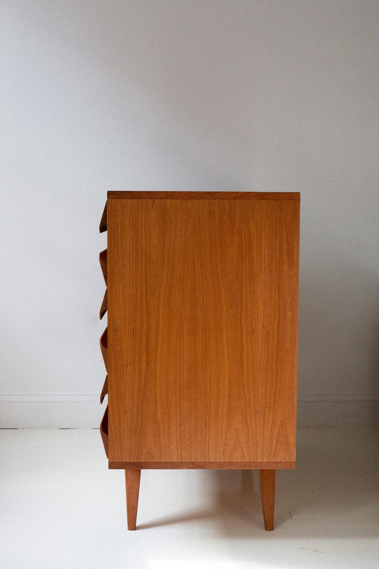 Oiled White Oak Italian Chest of Drawers In Good Condition For Sale In Brooklyn, NY