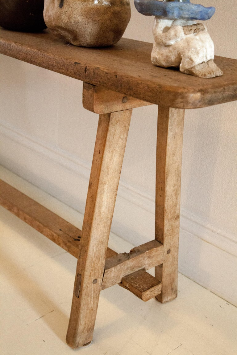19th Century American Country Hepplewhite Bench For Sale