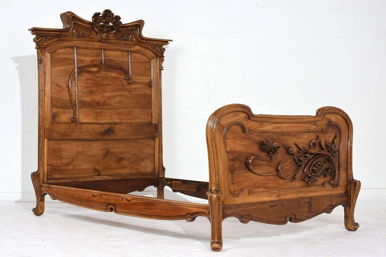 Pair of Early 20th Century Art Nouveau Twin Beds in the Manner of Majorelle 2