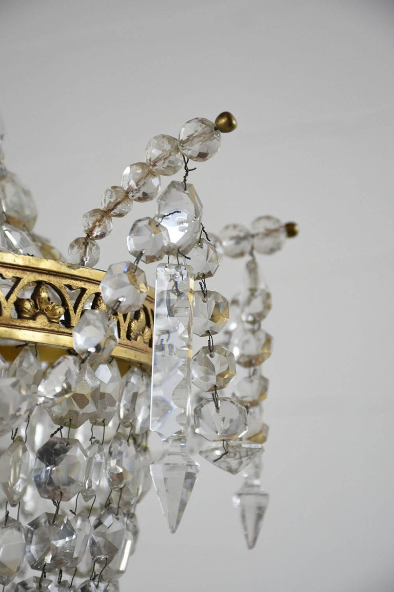 20th Century Antique Hollywood Regency-Style Brass and Crystal Basket Chandelier For Sale