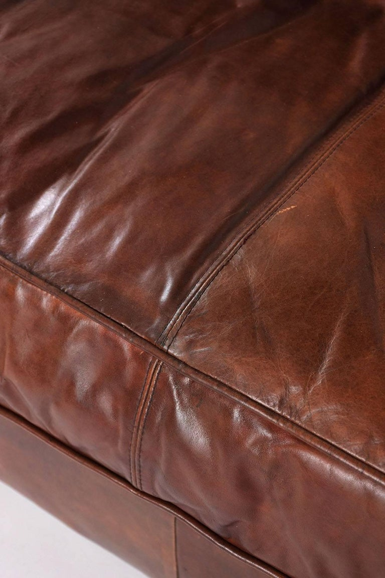 Hickory Chesterfield Tufted Leather Sofa For Sale 4