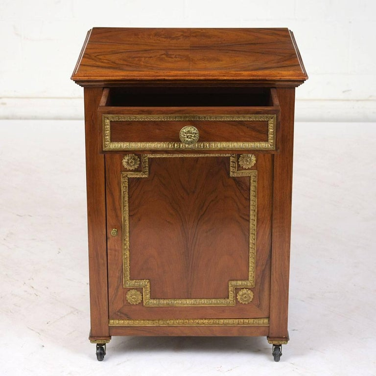 19th Century French Louis XVI-Style Nightstand In Excellent Condition For Sale In Los Angeles, CA