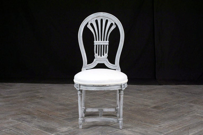 Late 20th Century Set of Six Distressed Finish Regency Style Dining Chairs For Sale