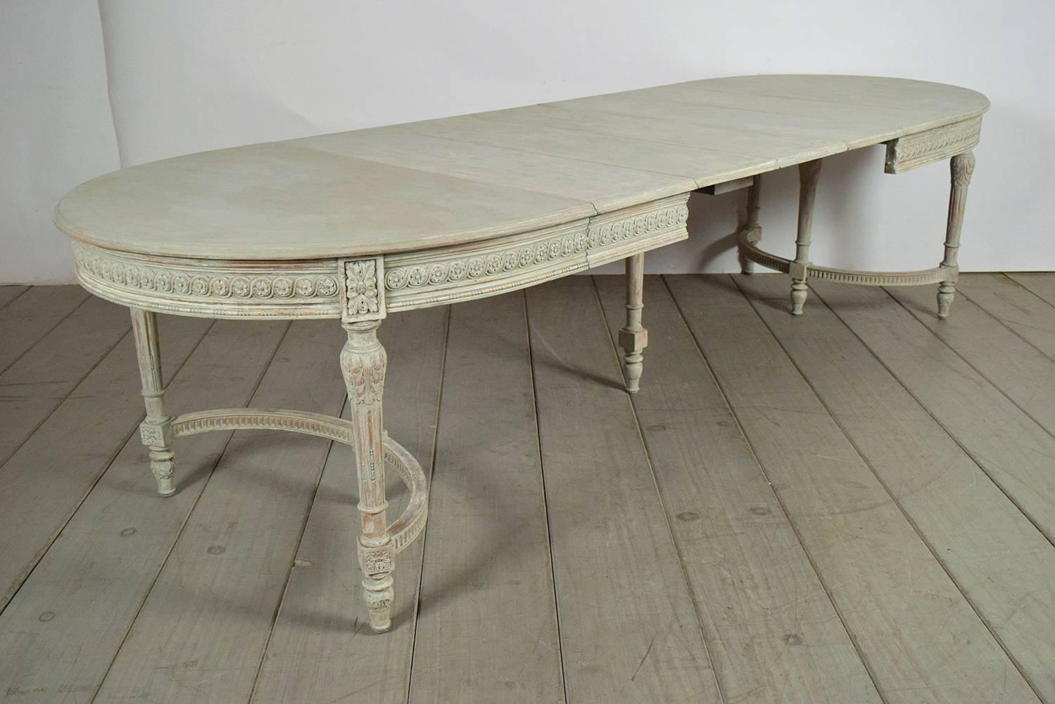 long dining table in louis xvi style at 1stdibs. Black Bedroom Furniture Sets. Home Design Ideas