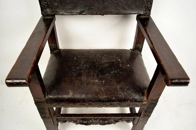 Mid-18th Century Pair of 18th Century Spanish Colonial Throne Chairs For Sale