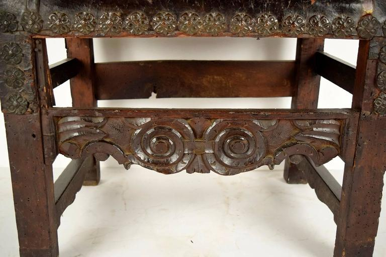 Leather Pair of 18th Century Spanish Colonial Throne Chairs For Sale