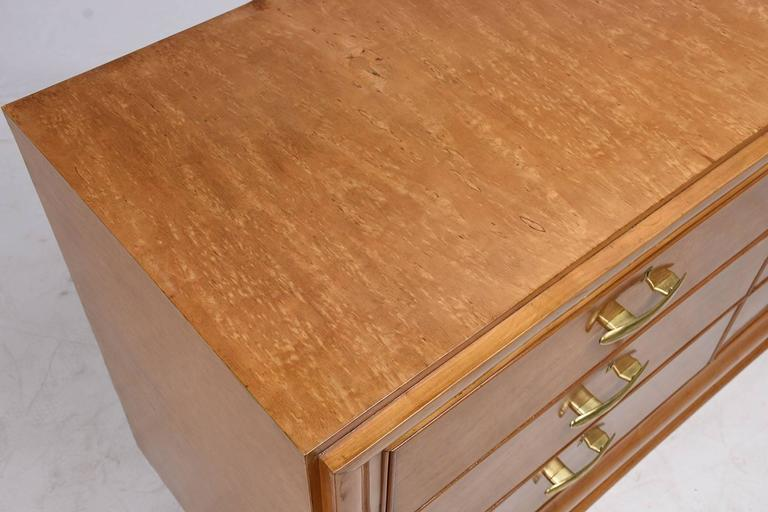 Mid-Century Modern Birch Wood Chest of Drawers In Excellent Condition For Sale In Los Angeles, CA