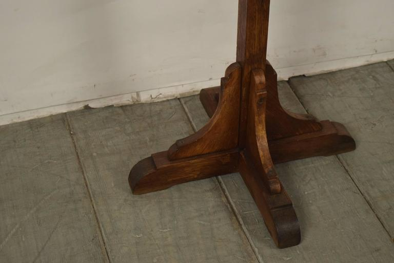 Antique French Solid Oak Wood Duet Music Stand In Excellent Condition For Sale In Los Angeles, CA