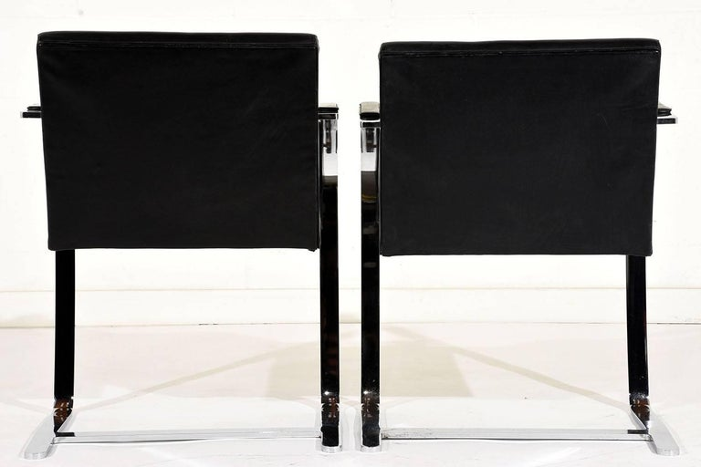 20th Century Pair of Mid-Century Modern Mies Van Der Rohe Flat Bar Brno Chairs For Sale