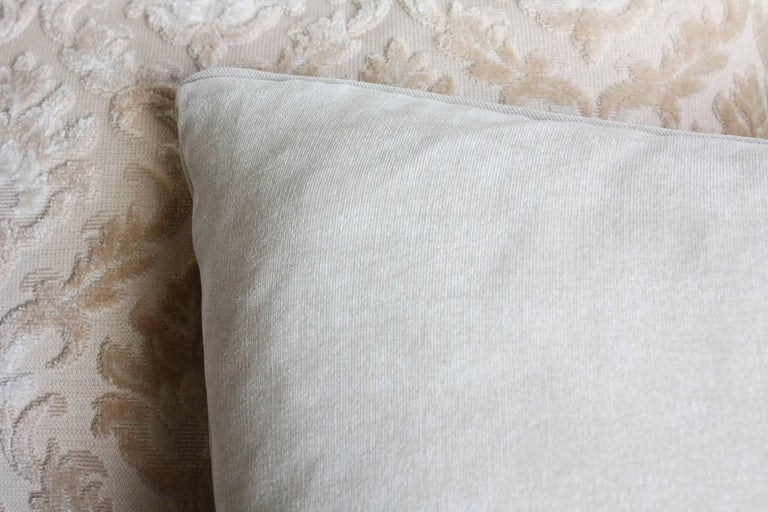 French Pair of Louis XVI-style Throw Pillows For Sale