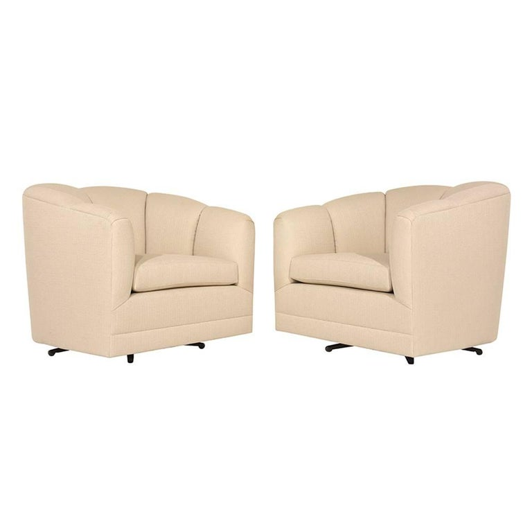 20th Century Pair of Mid-Century Swivel Lounge Chairs For Sale