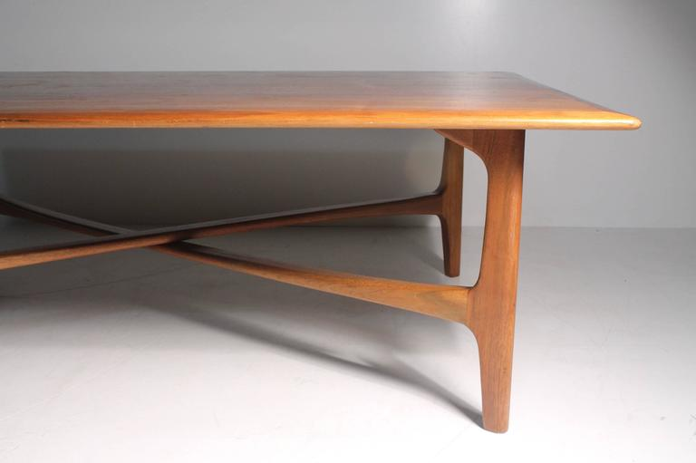 Danish Modern DUX Folke Ohlsson Coffee Table with X-Stretcher In Good Condition For Sale In Chicago, IL