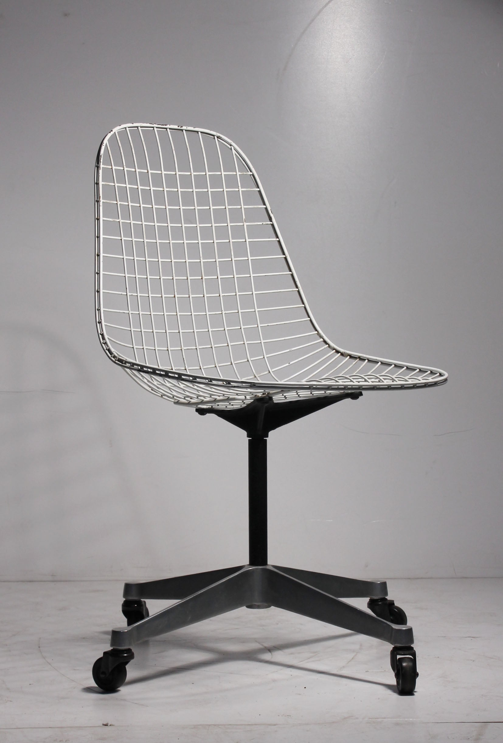 Genial Early Charles Eames PKC Wire Rolling Task Chair For Herman Miller At 1stdibs