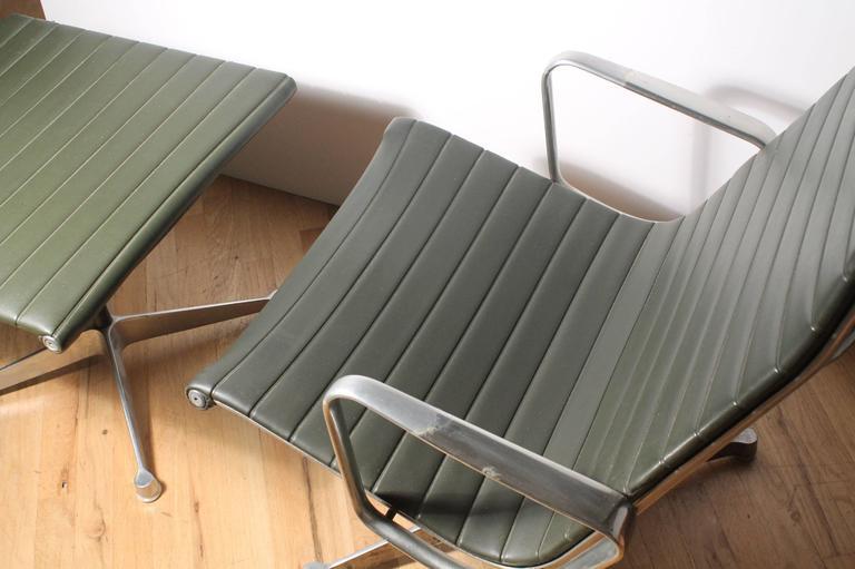 Vintage Charles Eames Herman Miller Aluminum Group Lounge